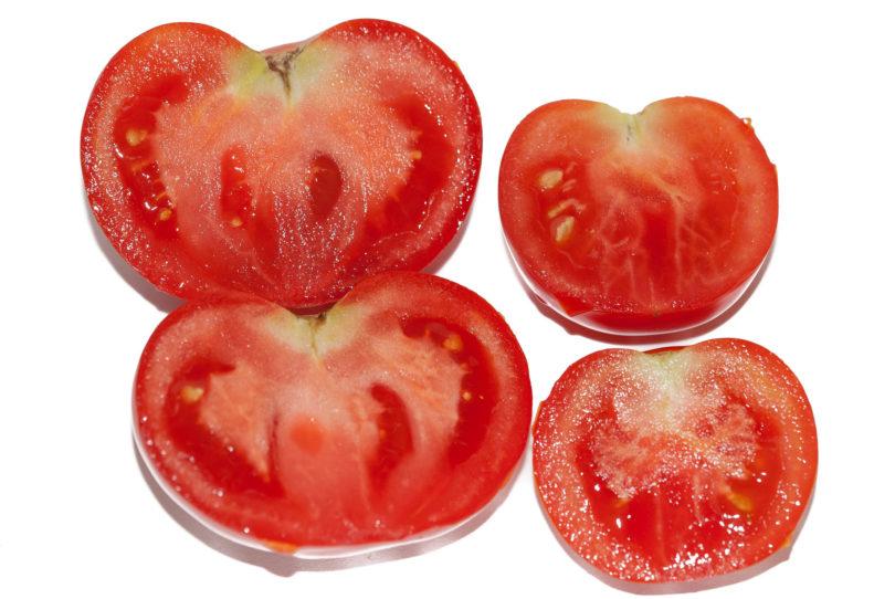 Die Tomatensorte ist saftig und würzig im Geschmack