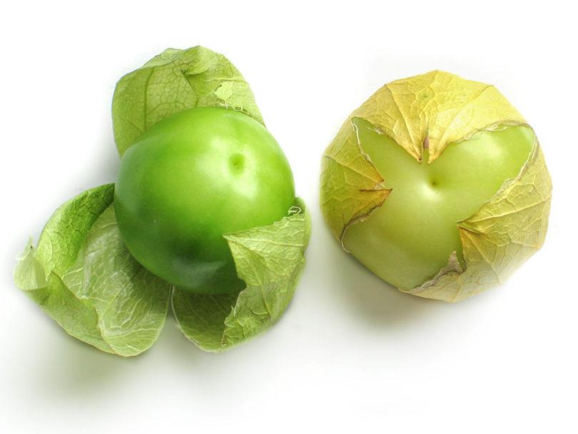 Die Tomatillo (Physalis ixocarpa) ist ein essbares Nachtschattengewächs (Solanaceae) aus Mexiko, das auch als grüne Tomaten bezeichnet wird.